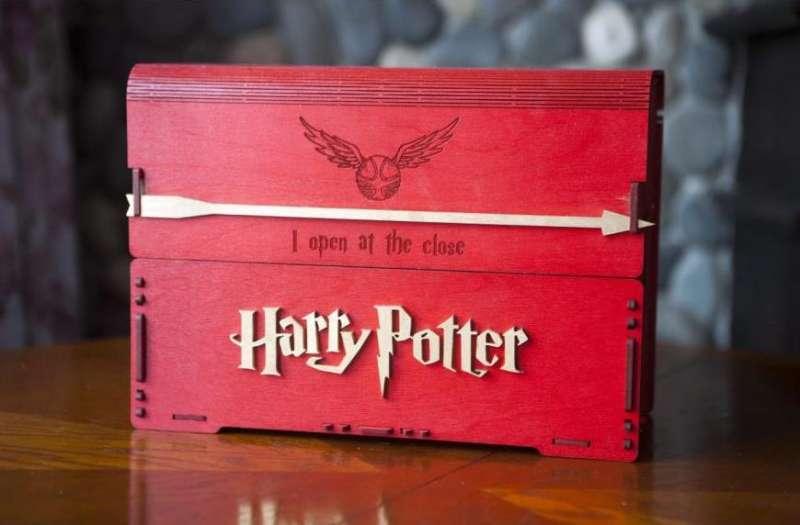 Комплект книг о Гарри Поттере в деревянном сундуке